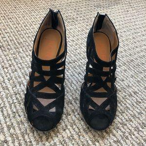 Gorgeous Kors by Michael Kors black suede heels